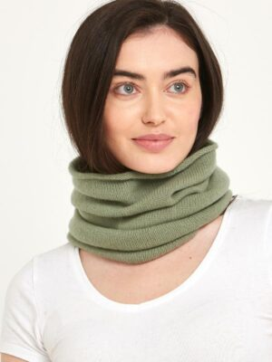 Light green cashmere snood